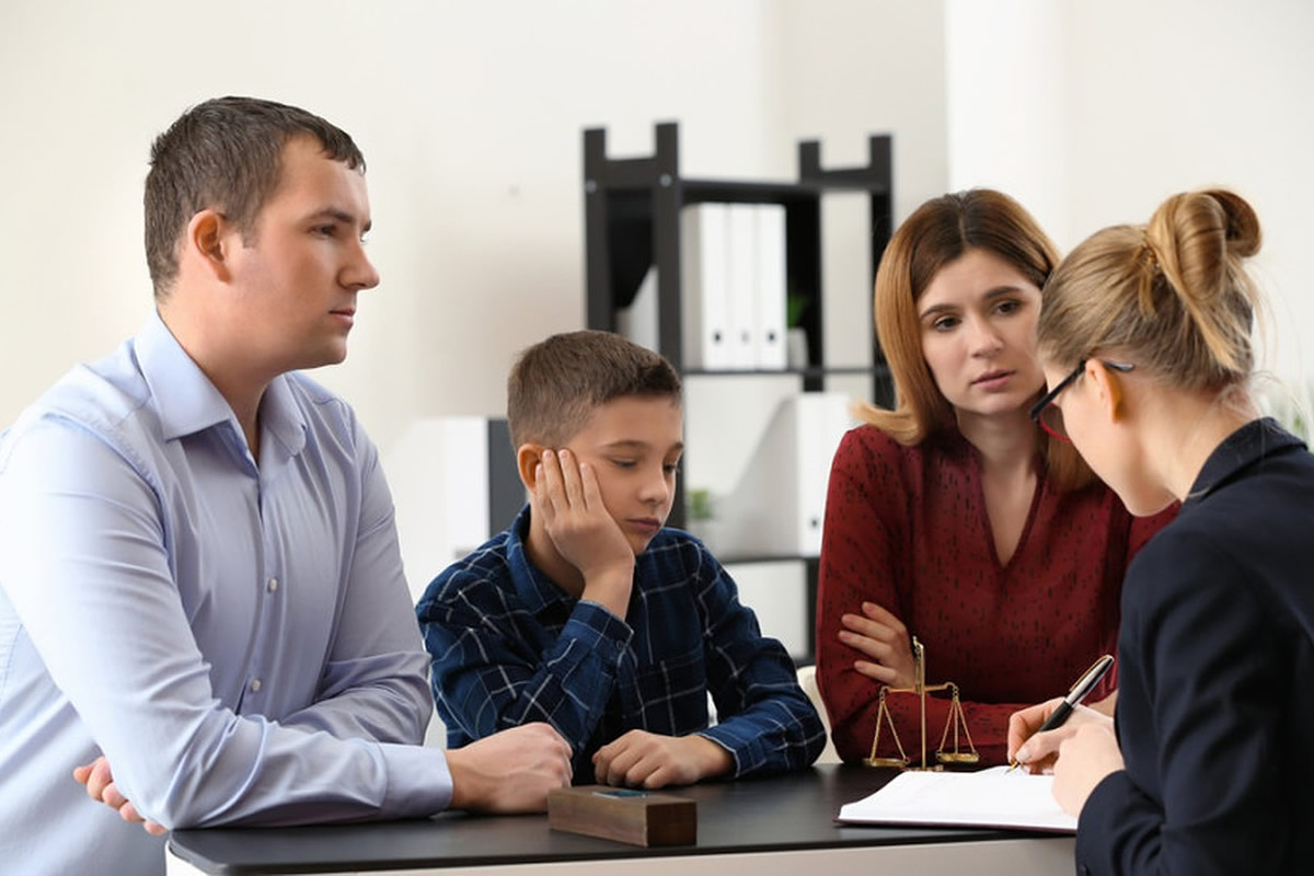 Four Reasons You May Need a Family Lawyer